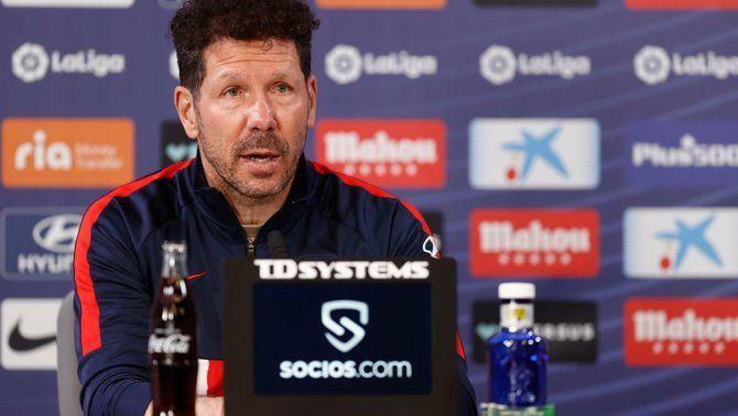"""Simeone: """"El futbol és més just amb el VAR, encara que de vegades et toqui en contra"""""""