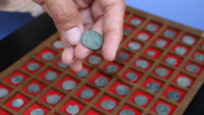 Algunes de les monedes localitzades a Santa Margarida d'Empuries