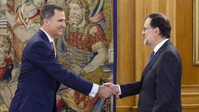 Rajoy torna a notificar al rei que no té prou suports per ser investit president