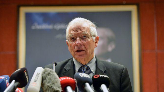 Borrell nega haver enviat una carta de suport a l'exgovernador franquista Martín Villa
