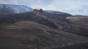 Noves fissures creen rius de lava a Islàndia, que atrauen milers de persones