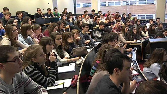 Els universitaris no es podran titular sense dominar una llengua estrangera