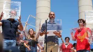 Pep Guardiola també ha portat una urna a l'escenari (Reuters)