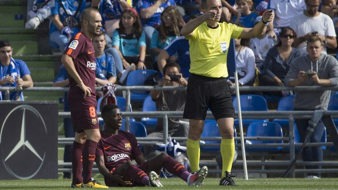 Ousmane Dembélé es lesiona en el seu debut com a titular a la Lliga amb el FC Barcelona al camp del Getafe