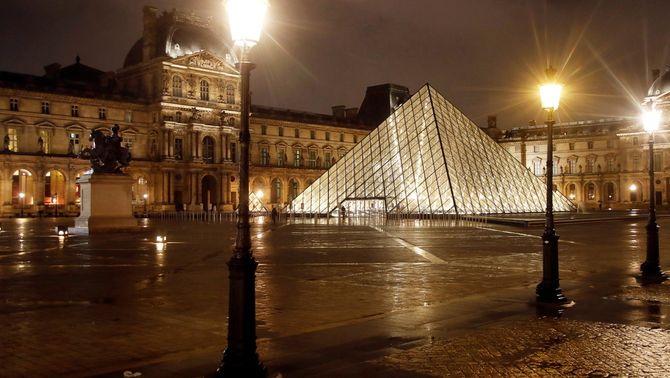 França anuncia el segon confinament total, però amb escoles obertes