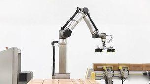 Els cobots, robots col·laboratius que treballen colze a colze amb les persones