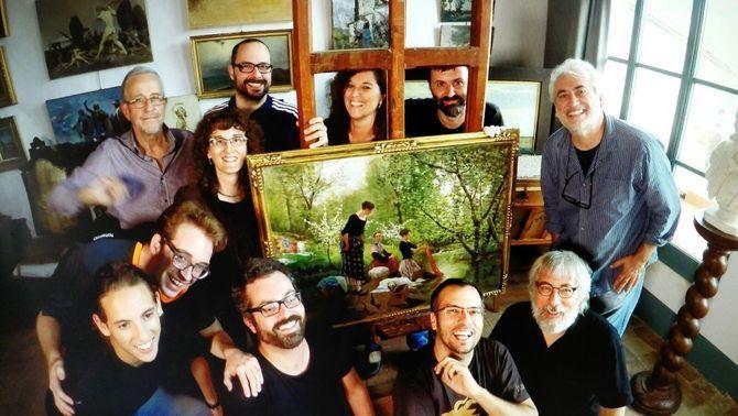 L'equip del programa a l'estudi dels germans Vayreda, a Olot