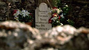 Els amants de Bausen: la història del cementiri més petit de l'Estat