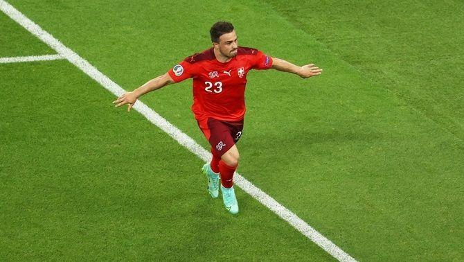 Shaquiri celebra un dels gols de Suïssa