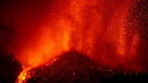 Vista de l'erupció de nit
