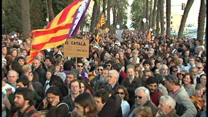 Palma surt al carrer en defensa del català i contra la política lingüística del govern de Bauzá