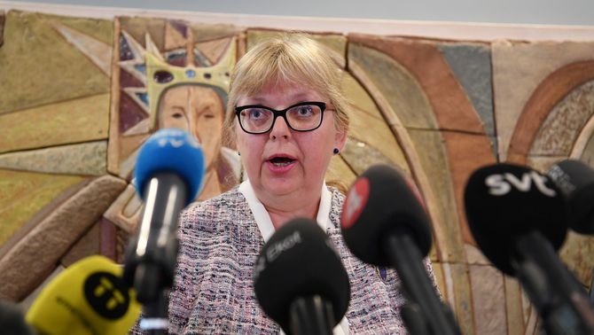Suècia no ordenarà detenir Assange per violació