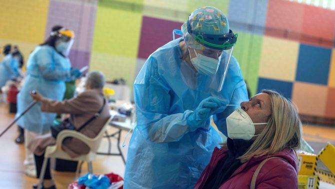 Xifra rècord de contagis diaris de Covid a Espanya, amb 38.869 casos