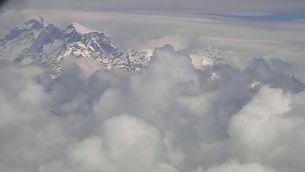 El Nepal obre les portes a l'Everest
