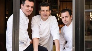 Trio d'asos a l'Eixample de Barcelona