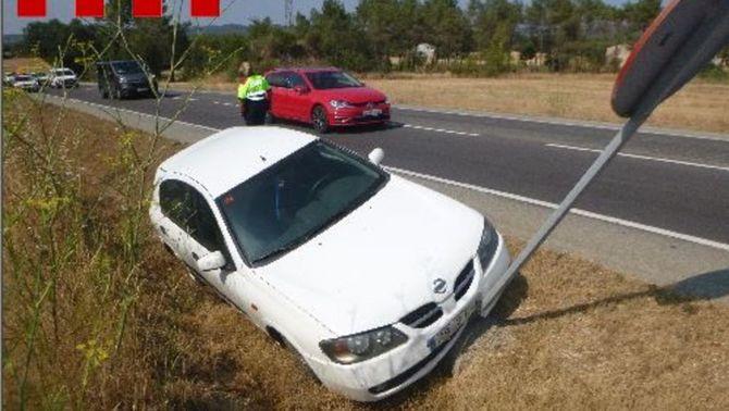 L'infractor va tenir un accident anant begut i va sortir de la carretera C-65 al seu pas pel terme municipal de Llagostera. Imatge cedida aques…