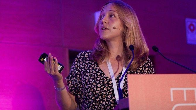 Judith Argila durant la seva conferència al Radiodays de Lisboa