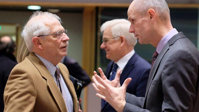 """Borrell diu a Brussel·les que """"moltes imatges"""" de la policia l'1-O eren """"fakes"""""""