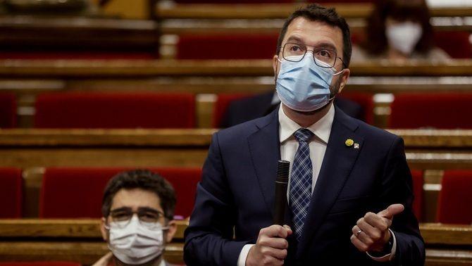 Aragonès parla durant la sessió de control al govern