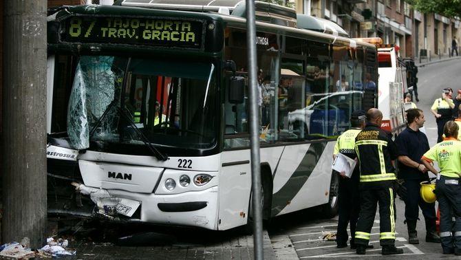 L'accident d'autobús va provocar la mort d'una dona i una nena al Carmel