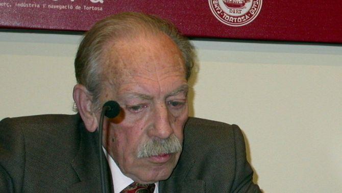 El poeta i escriptor tortosí Gerard Vergés, en una imatge d'arxiu de l'any 2005.
