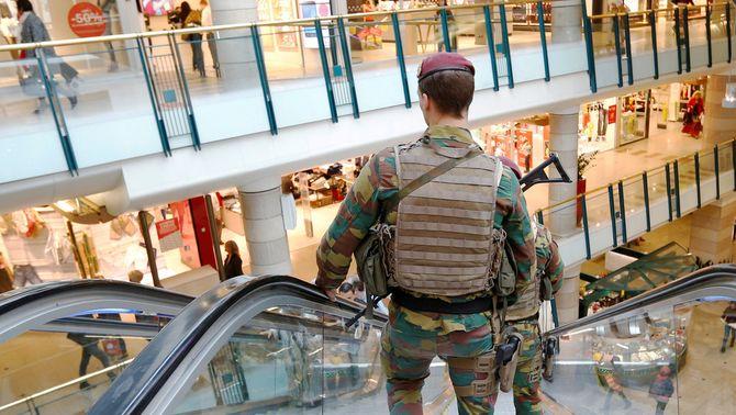 El detingut a Brussel·les arran d'una alerta de bomba portava un cinturó d'explosius fals