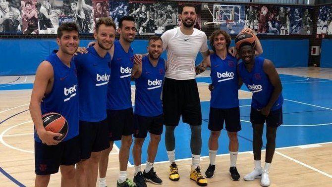 Nikola Mirotic rep la visita sorpresa de diversos jugadors del primer equip del Barça
