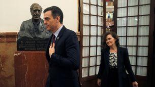 Pedro Sánchez i Carmen Calvo, aquest dimecres als passadissos del Congrés