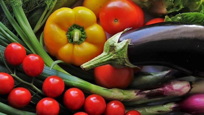 Conjunt de verdures típiques de la dieta mediterrània