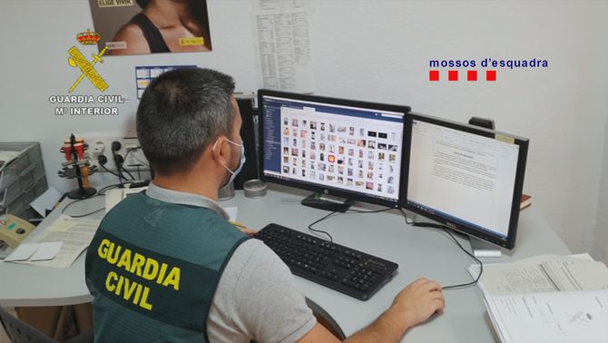 Detingut a Tenerife per abusos sexuals a menors per internet, també a Barcelona