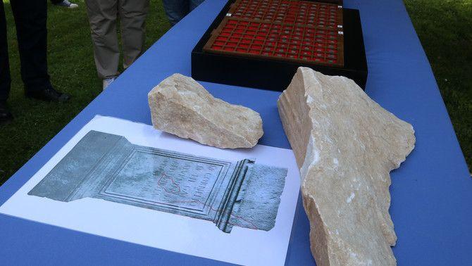 El peu d'altar localitzat en les excavacions de la basílica