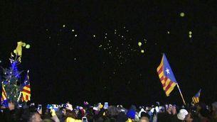 Enlairament de 211 globus de comiat als presos de Lledoners abans del trasllat a Madrid