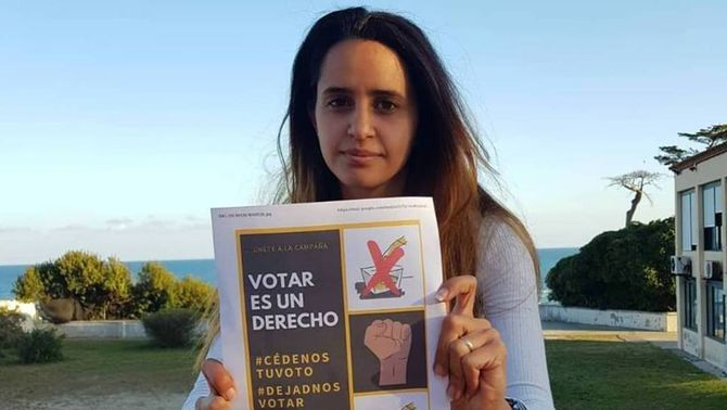 """""""Cedeix-nos el vot"""": fills de migrants que no poden votar busquen abstencionistes"""