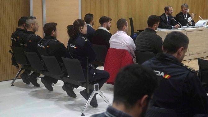 Quatre violadors de La Manada, condemnats per una agressió sexual a una noia a Còrdova