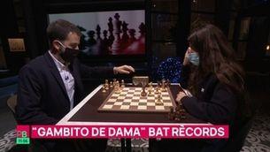 "Planta baixa - La ""Gambito de dama"" catalana s'enfronta a Ricard Ustrell"