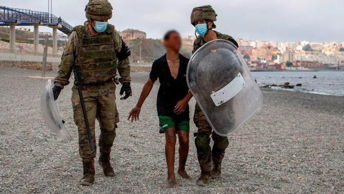 La Fiscalia investiga les devolucions en calent de menors a Ceuta