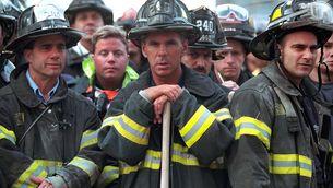 Les víctimes, els bombers, els polítics: 20 anys dels atemptats de l'11S, en imatges