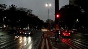 Foscor al migdia a Sao Paulo pel fum dels incendis de l'Amazònia