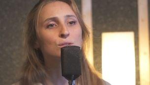 """Marion Harper compon una cançó inèdita per al documental """"Penjant del fil"""""""
