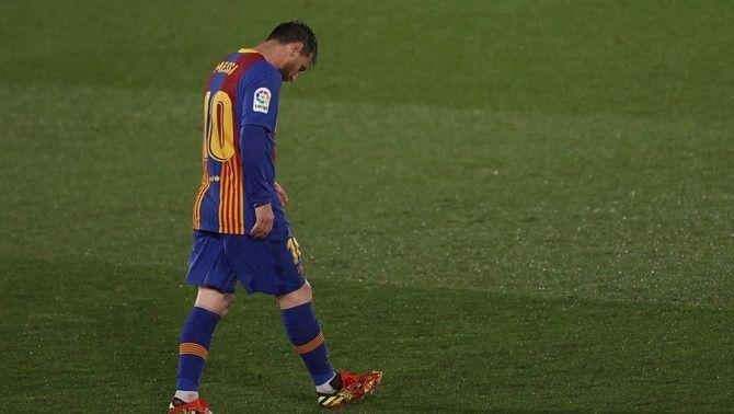 El Barça cau en el clàssic (2-1) i deixa la Lliga en un punt
