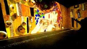 Submergir-se en la pintura de Klimt, nova proposta immersiva del Centre Ideal