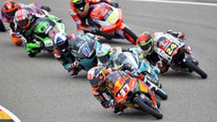 El grup capdavanter lluita per la victòria en el GP d'Alemanya de Moto3