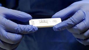Tests d'antígens a les farmàcies amb certificat clínic, una opció per a les vacances