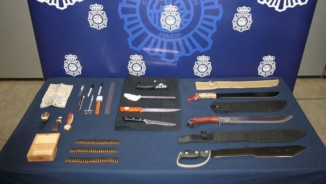 Les armes i munició confiscats als presumptes jihadistes detinguts