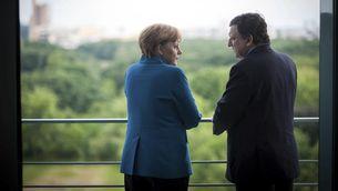 Barroso i Merkel conversen privadament en una trobada fa uns dies a Berlín. (Foto: Reuters)