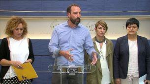Diputats d'ERC, En Comú Podem, PDeCAT i Bildu, durant la roda de premsa al Congrés