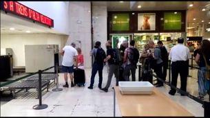 Pablo Iglesias, increpat a Sants en coincidir amb assistents a la manifestació