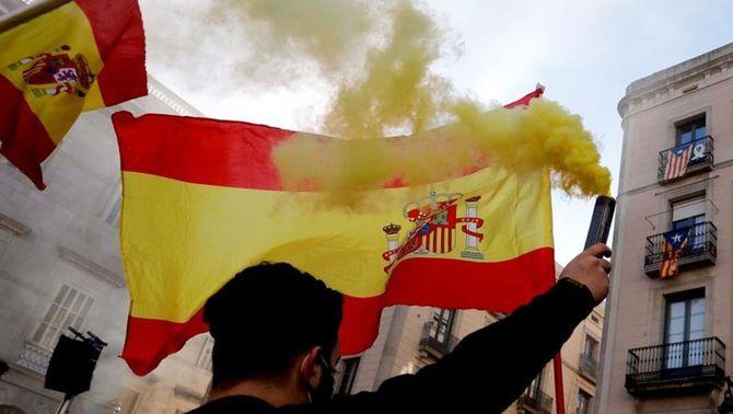 Dos detinguts en la concentració de Vox a Barcelona per la Constitució