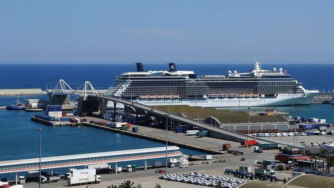 El Port de Barcelona vol recuperar els creuers per Sant Joan