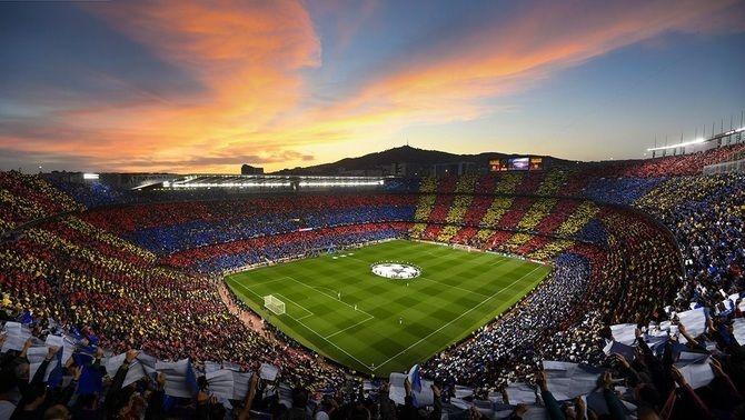 Imatge d'arxiu del Camp Nou amb públic (EFE)